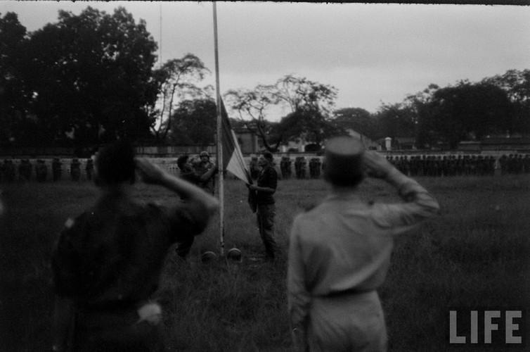 Tan muc linh Phap cuon co rut khoi Ha Noi nam 1954-Hinh-3