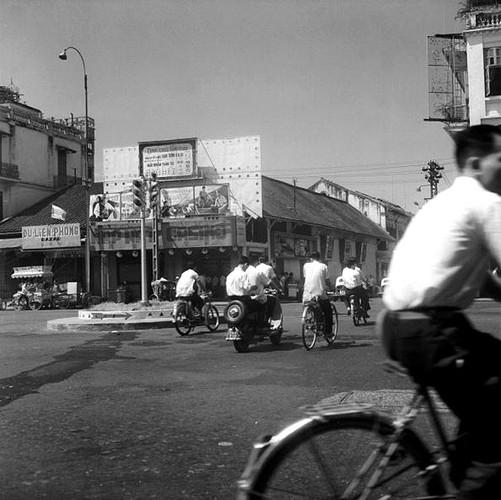 Sai Gon - Cho Lon nam 1962 trong anh cua Roger Viollet-Hinh-6