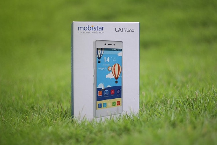 Mo hop smartphone cho nu 7 mau, gia 2,1 trieu dong