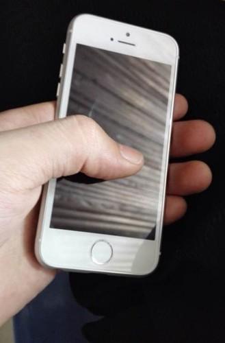 Dien thoai iPhone 6c vo kim loai, Touch ID lo anh thuc