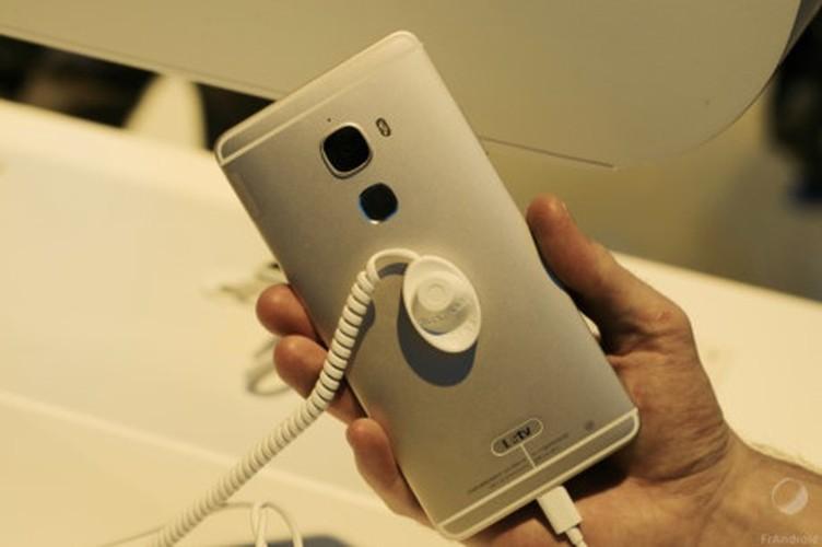 Diem danh nhung smartphone an tuong nhat ra mat tai CES 2016-Hinh-22