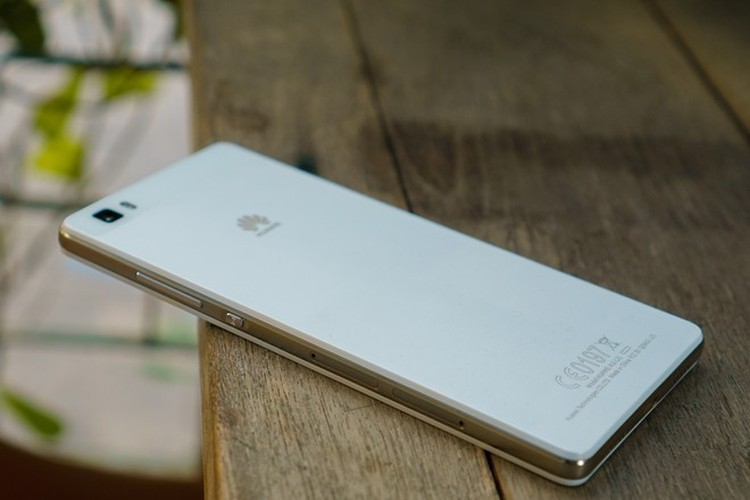 Huawei P8 Lite: Thiết kế đẹp, chụp hình chuyên nghiệp