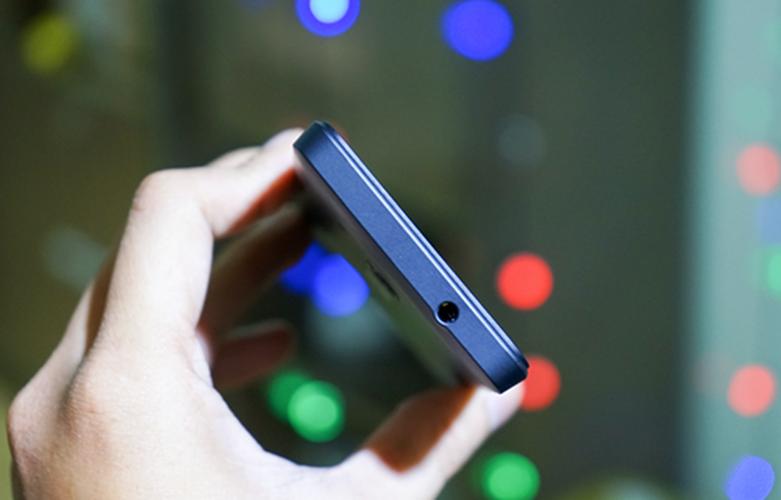 Bo anh dien thoai Lumia 550 gia re chay Windows 10-Hinh-10
