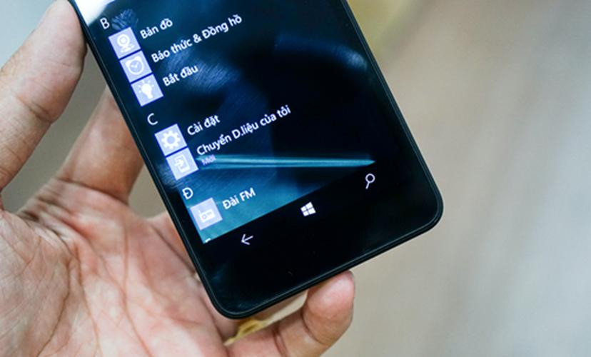 Bo anh dien thoai Lumia 550 gia re chay Windows 10-Hinh-4