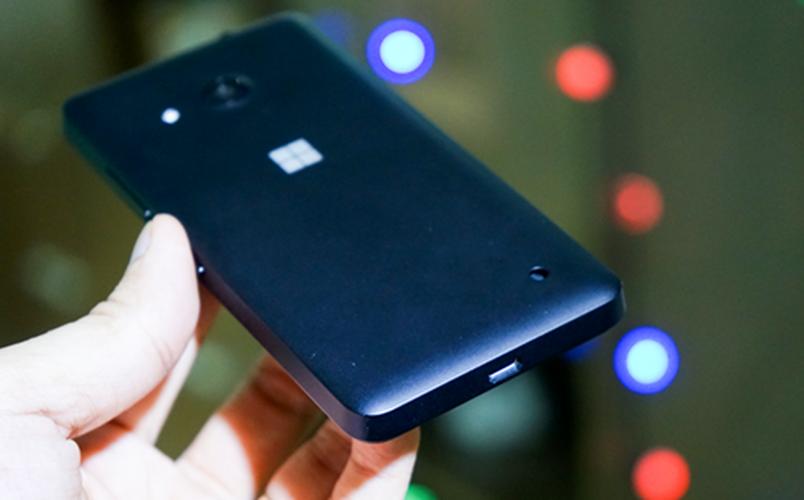 Bo anh dien thoai Lumia 550 gia re chay Windows 10-Hinh-8