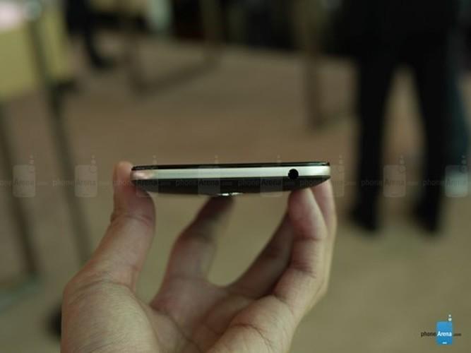 Can canh dien thoai pin trau Asus ZenFone Max vua ra mat-Hinh-5
