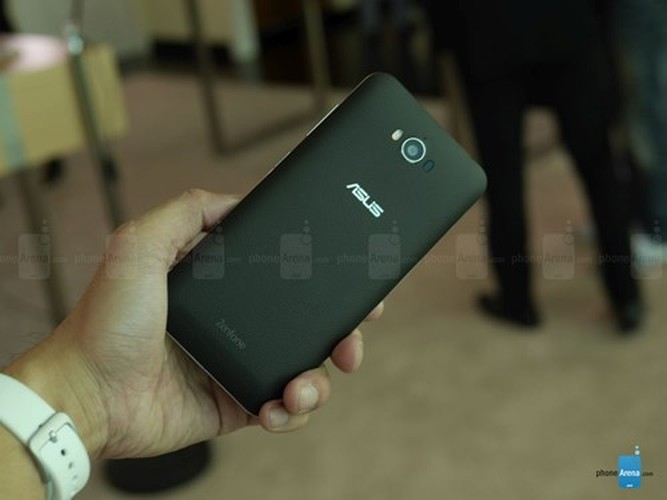 Can canh dien thoai pin trau Asus ZenFone Max vua ra mat-Hinh-8