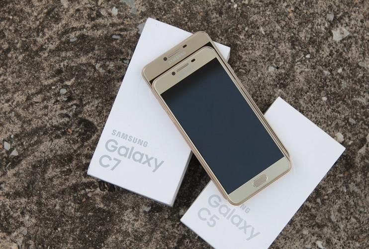 9 smartphone xach tay dat khach moi ve Viet Nam-Hinh-4