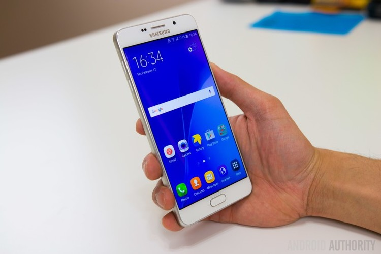 9 smartphone xach tay dat khach moi ve Viet Nam-Hinh-5