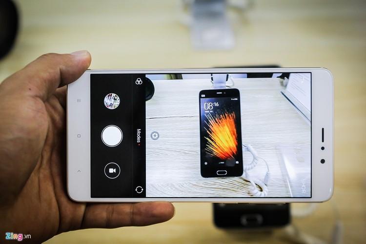 Soi ti mi dien thoai Xiaomi Mi 5s Plus dau tien ve Viet Nam-Hinh-10