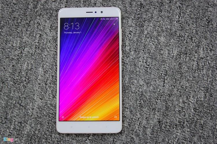 Soi ti mi dien thoai Xiaomi Mi 5s Plus dau tien ve Viet Nam-Hinh-2