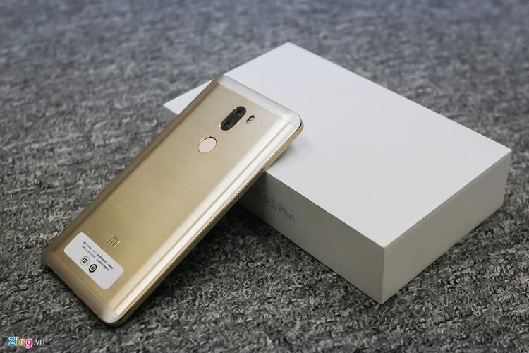 Soi ti mi dien thoai Xiaomi Mi 5s Plus dau tien ve Viet Nam-Hinh-4