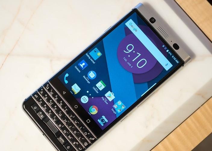 Anh thuc te ban mau BlackBerry Mercury voi ban phim QWERTY-Hinh-2