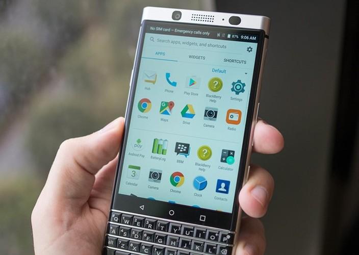 Anh thuc te ban mau BlackBerry Mercury voi ban phim QWERTY-Hinh-3
