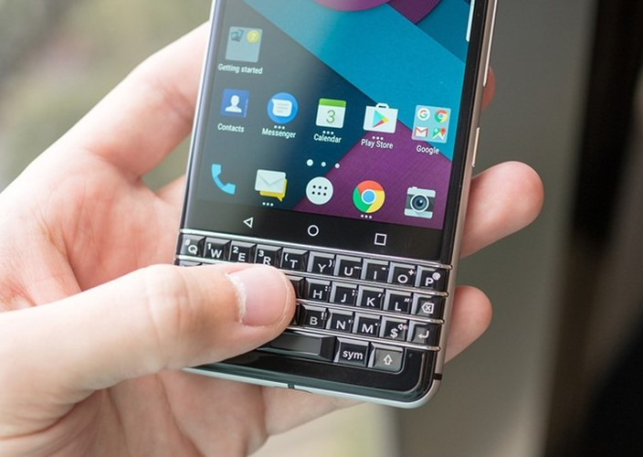 Anh thuc te ban mau BlackBerry Mercury voi ban phim QWERTY-Hinh-6