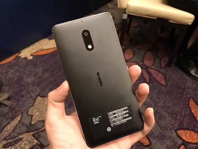 Anh thuc te Nokia 6: Thiet ke lai giua iPhone va Lumia-Hinh-6