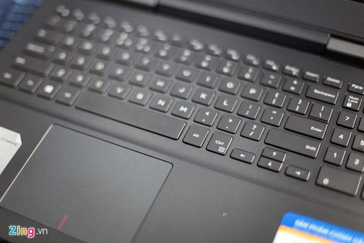 Anh thuc te laptop Dell Inspiron 15 Gaming vua ve Viet Nam-Hinh-8