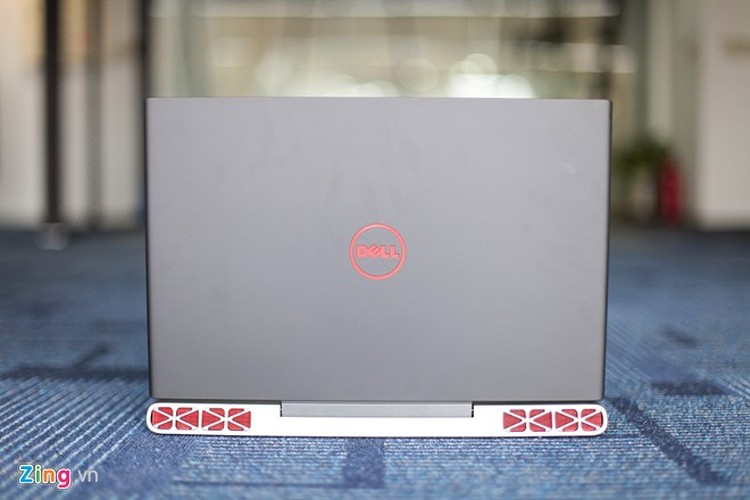 Anh thuc te laptop Dell Inspiron 15 Gaming vua ve Viet Nam