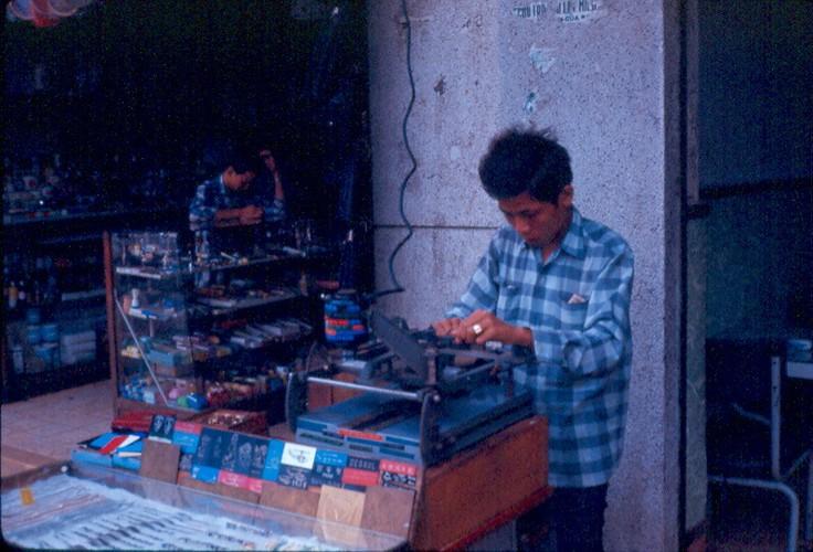 Anh doc ve nan lan chiem via he Sai Gon truoc 1975 (2)-Hinh-11