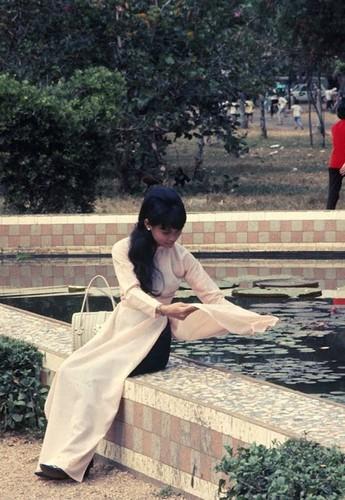 Anh de doi ve phu nu Sai Gon truoc 1975 (2)-Hinh-4