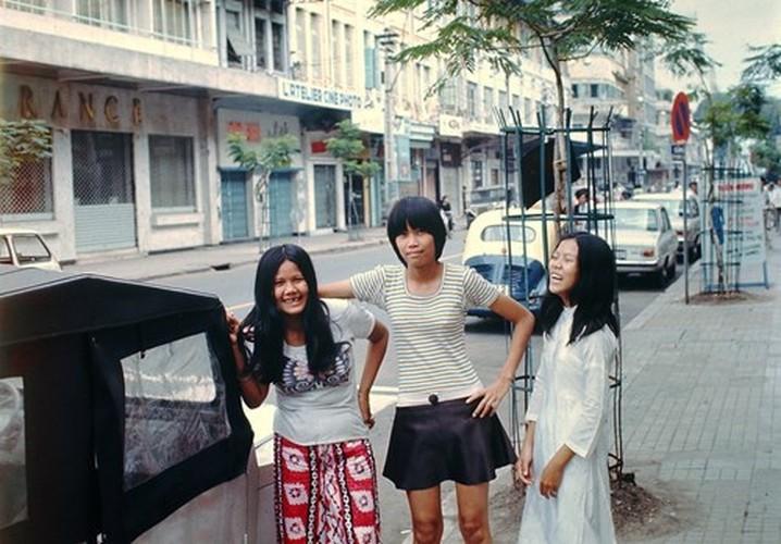 Anh de doi ve phu nu Sai Gon truoc 1975 (2)-Hinh-7