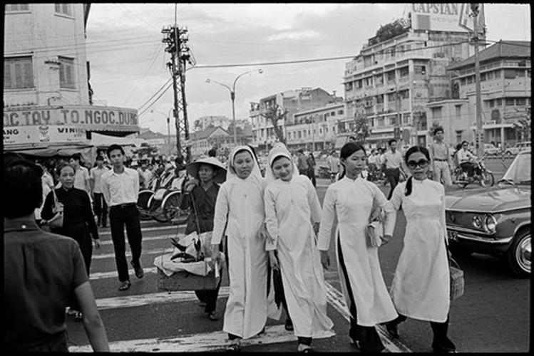 Anh de doi ve phu nu Sai Gon truoc 1975 (2)
