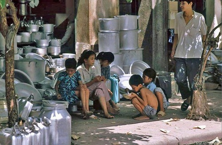 Anh cuc chat ve via he Ha Noi dau nhung nam 1990 (2)