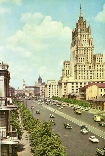 Moscow thap nien 1960 ruc ro trong anh cua pho nhay Canada (1)