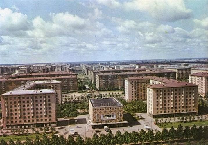 Moscow thap nien 1960 ruc ro trong anh cua pho nhay Canada (2)-Hinh-3