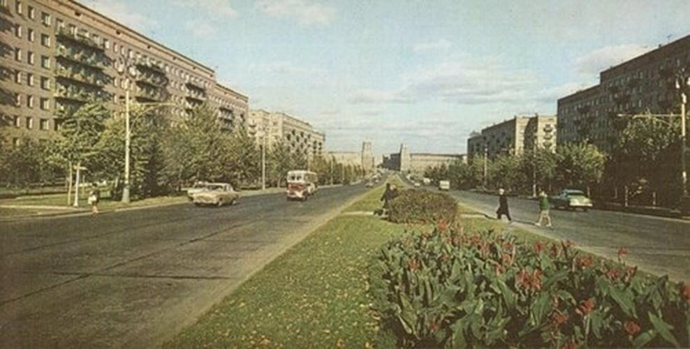 Moscow thap nien 1960 ruc ro trong anh cua pho nhay Canada (2)-Hinh-5