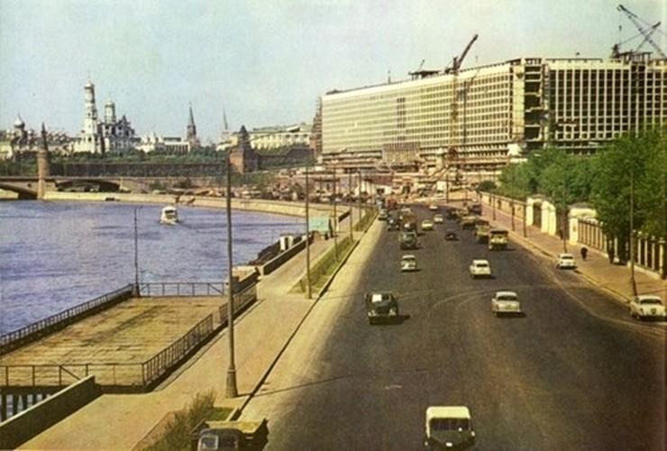 Moscow thap nien 1960 ruc ro trong anh cua pho nhay Canada (2)-Hinh-8