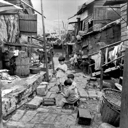 Anh hiem ve lang chai ngheo kho o Hong Kong nam 1952-Hinh-2