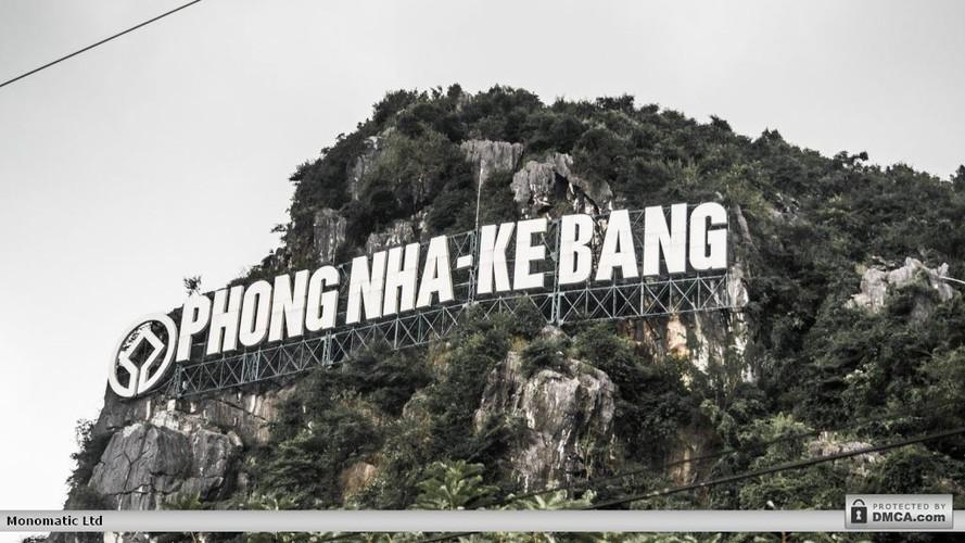 Phong Nha - Ke Bang dep ngan ngo qua ong kinh khach Tay
