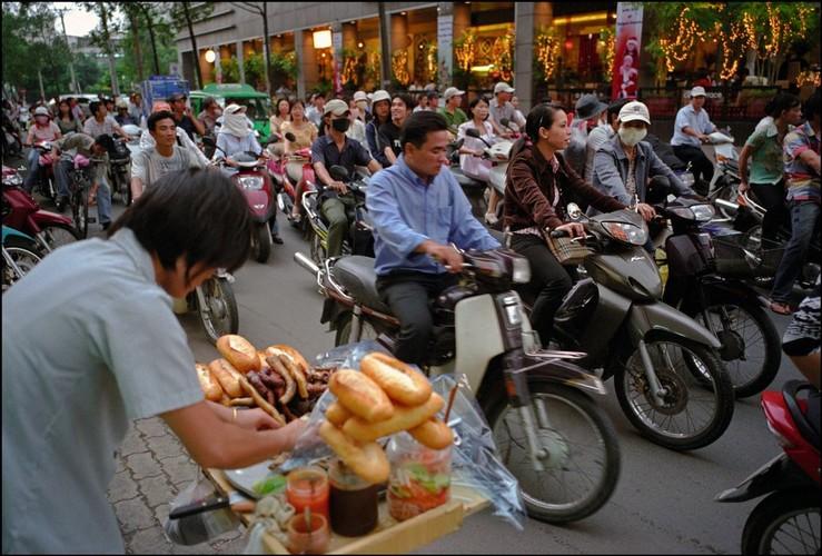 Doc dao am thuc duong pho Viet qua ong phong vien Tay (1)-Hinh-5