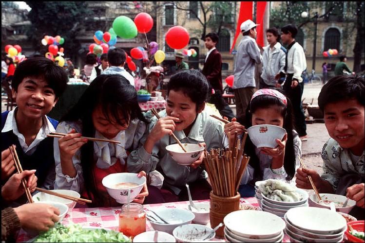 Doc dao am thuc duong pho Viet qua ong phong vien Tay (1)-Hinh-7