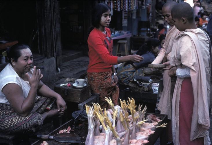 Cuoc song day sac mau o Myanmar thap nien 1970 - 1990 (2)