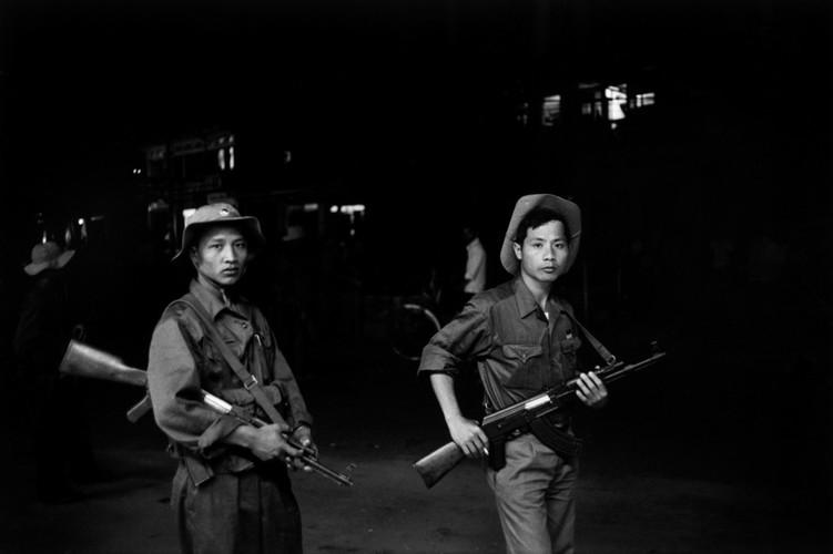 Viet Nam nam 1975 trong anh cua phong vien Iran (2)-Hinh-7