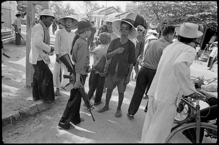 Viet Nam nam 1975 trong anh cua phong vien Iran (2)-Hinh-9