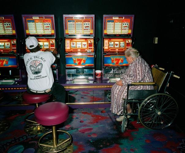 Ben trong cac song bac Las Vegas nam 1993-Hinh-12