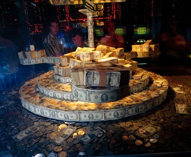 Ben trong cac song bac Las Vegas nam 1993-Hinh-5