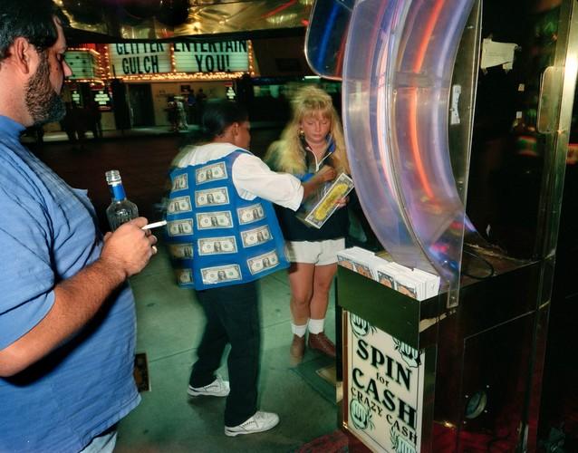 Ben trong cac song bac Las Vegas nam 1993-Hinh-6