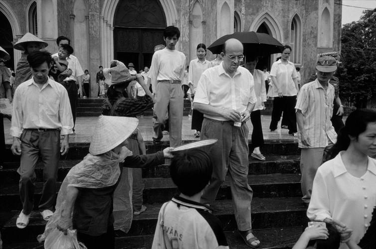 Ha Noi thap nien 1990 qua anh cua Philip Jones Griffiths (1)-Hinh-4