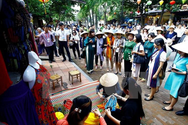 Toan canh tong duyet cac hoat dong cua Tuan le Cap cao APEC 2017-Hinh-13