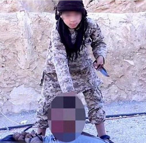 """Dot nhap """"lo"""" dao tao cac chien binh nhi IS-Hinh-7"""