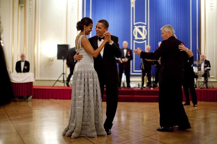 Chuyen tinh dep 24 nam cua vo chong Tong thong Obama