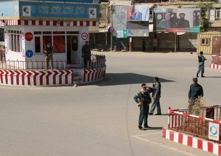 Quan doi Afghanistan xua duoi phien quan Taliban khoi Kunduz-Hinh-10
