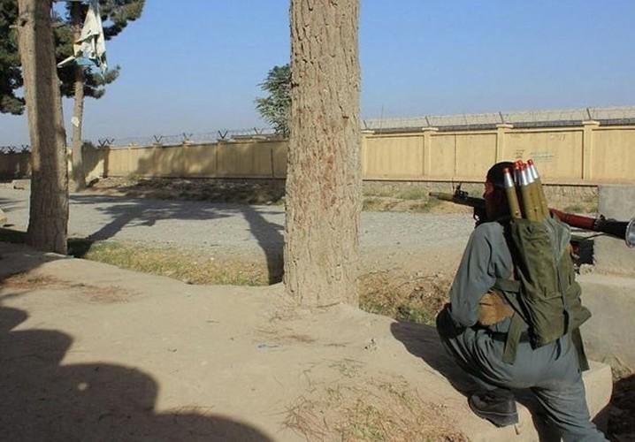 Quan doi Afghanistan xua duoi phien quan Taliban khoi Kunduz-Hinh-2
