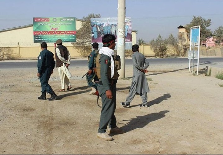 Quan doi Afghanistan xua duoi phien quan Taliban khoi Kunduz-Hinh-4