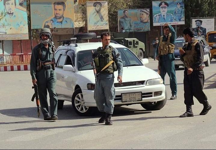 Quan doi Afghanistan xua duoi phien quan Taliban khoi Kunduz-Hinh-6