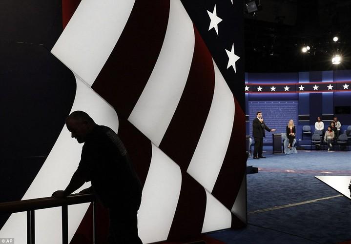 Chum anh ba Clinton, ong Trump truoc cuoc tranh luan lan 2-Hinh-3
